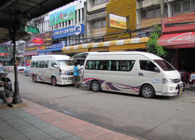 minibuses-on-khao-san-road